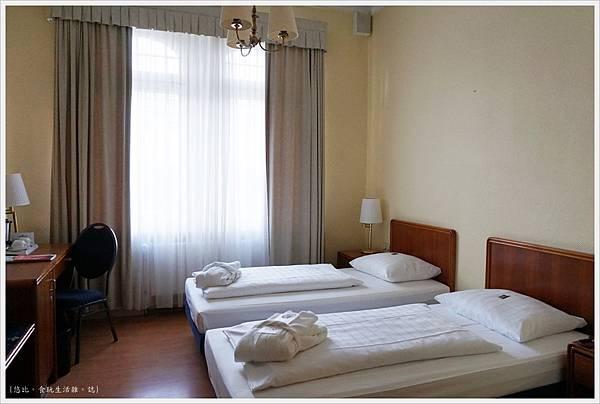 Hotel Monopol莫諾普爾酒店-房間-1.JPG
