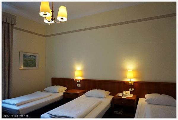 Hotel Monopol莫諾普爾酒店-房間-4.JPG