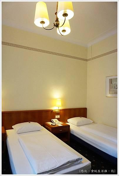 Hotel Monopol莫諾普爾酒店-房間-7.JPG