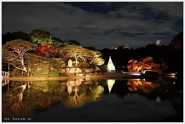 六義園-夜楓-18.JPG