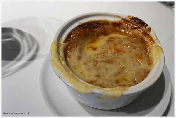 法三小館-26-起司焗洋蔥湯.JPG