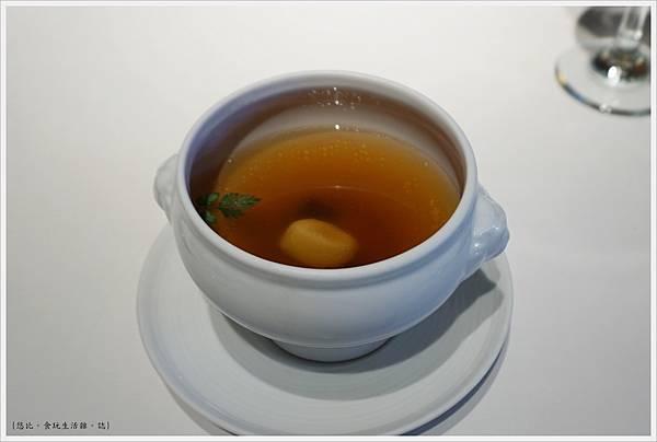 法三小館-27-松露野菇雞清湯.JPG