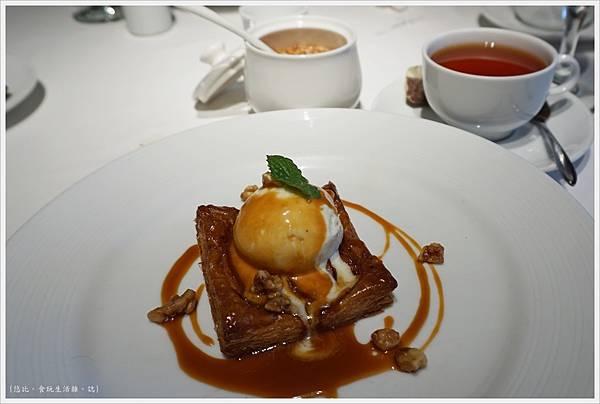 法三小館-34-溫熱蘋果酥派與香草冰淇淋.JPG