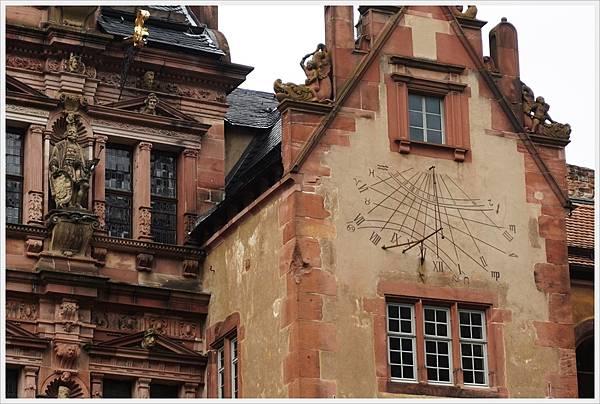 海德堡城堡-43-日晷.JPG