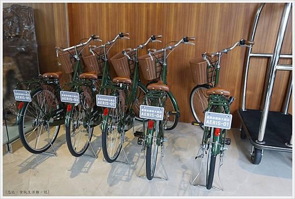 愛麗絲西餐廳-3-自行車.JPG
