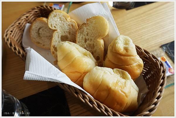 愛麗絲西餐廳-28-餐包.JPG