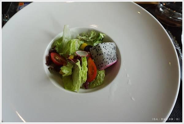 愛麗絲西餐廳-31-什錦花園沙拉.JPG
