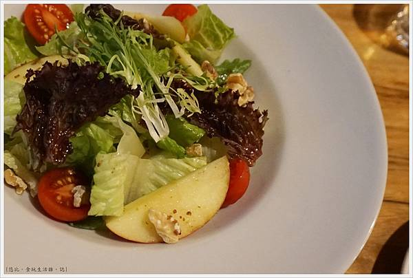 台中薄多義-76-芥子風味蘋果生菜沙拉.JPG