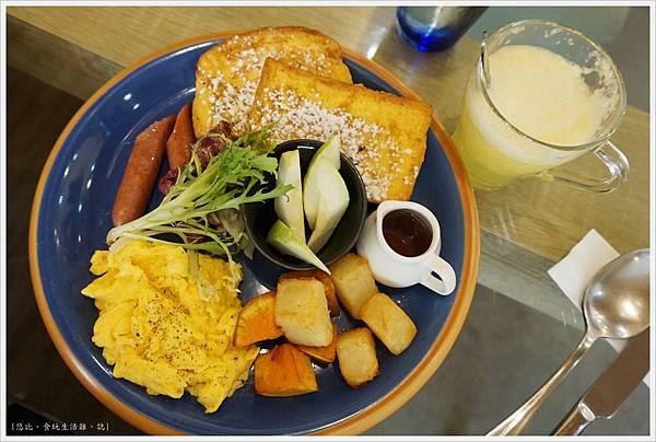 斑馬騷莎-17-法式吐司早餐.JPG