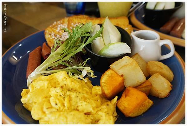 斑馬騷莎-20-法式吐司早餐.JPG
