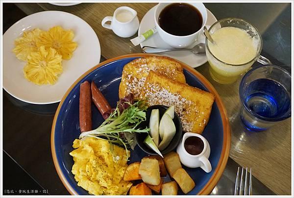 斑馬騷莎-28-法式吐司早餐.JPG