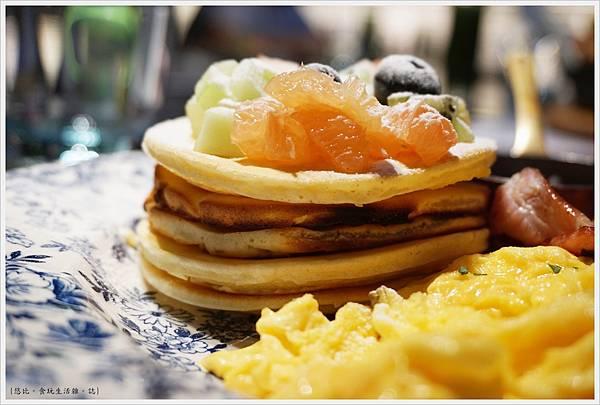 Bistro88-21-洛杉磯鬆餅早餐.JPG