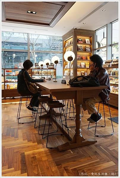 蔦屋書局松山店-14.JPG