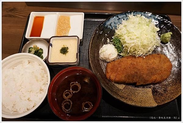 新橋-炸牛排-11.JPG