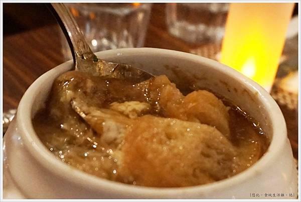 咕嚕好吃法式風味廚坊-19-法式傳統洋蔥湯.JPG