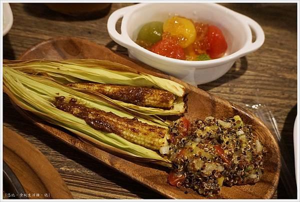 農人餐桌-54-黎麥烤玉米筍.JPG