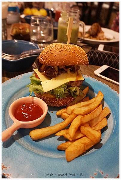 農人餐桌-59- 起司培根牛肉大漢堡.JPG