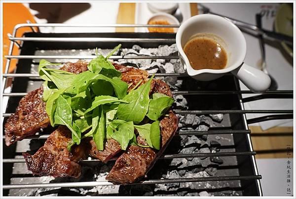 荳牛柴燒牛排餐廳-38-巴克斯火烤大牛排.JPG
