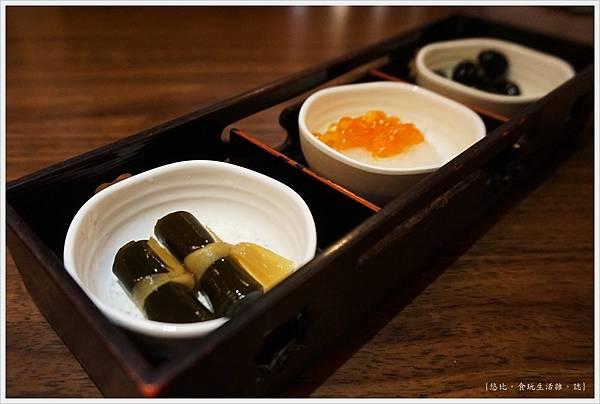 水車日本料理-7-小菜三樣.JPG