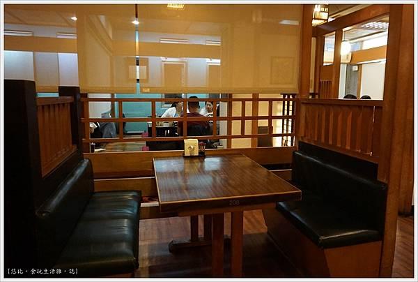 水車日本料理-25-店內.JPG