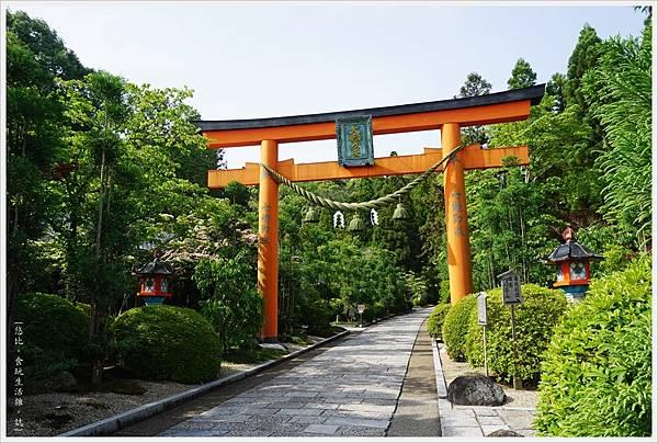 靈山寺-3-鳥居.JPG