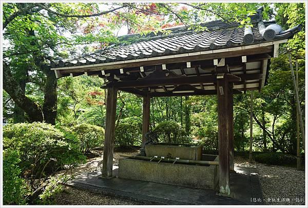 靈山寺-115-手水舍.JPG