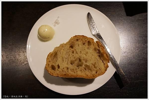 L'AROME-21-麵包.JPG