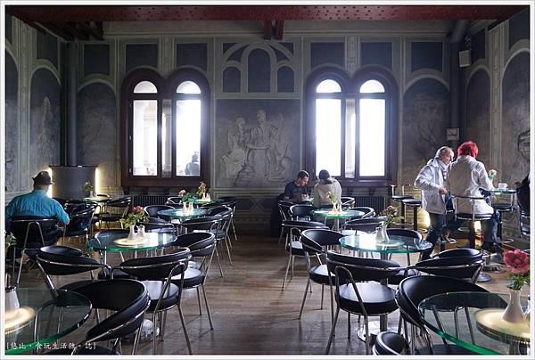 新天鵝堡-78-咖啡館.JPG