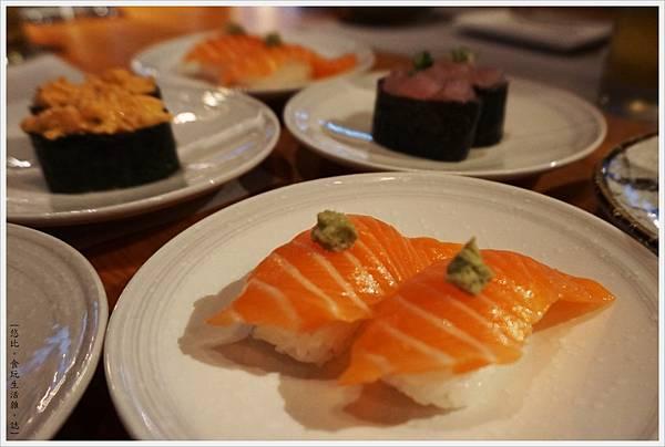 一笈壽司-27-鮭魚握壽司.JPG