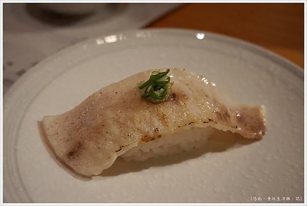 一笈壽司-31-炙燒旗魚肚.JPG