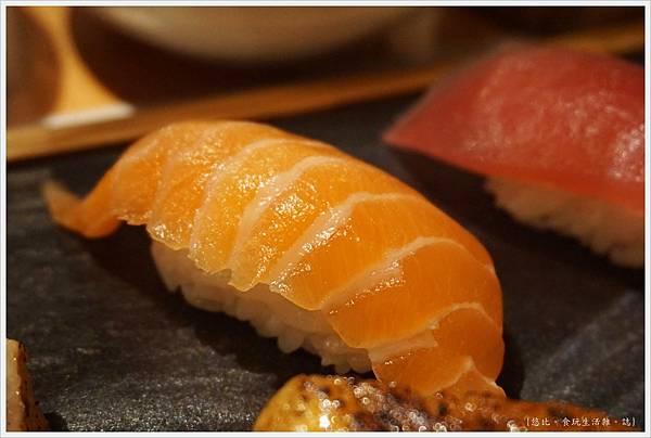 一笈壽司-124-綜合8貫套餐.JPG