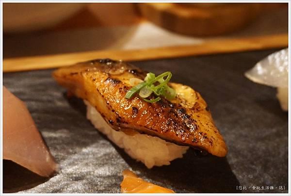 一笈壽司-128-綜合8貫套餐.JPG