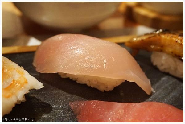 一笈壽司-129-綜合8貫套餐.JPG