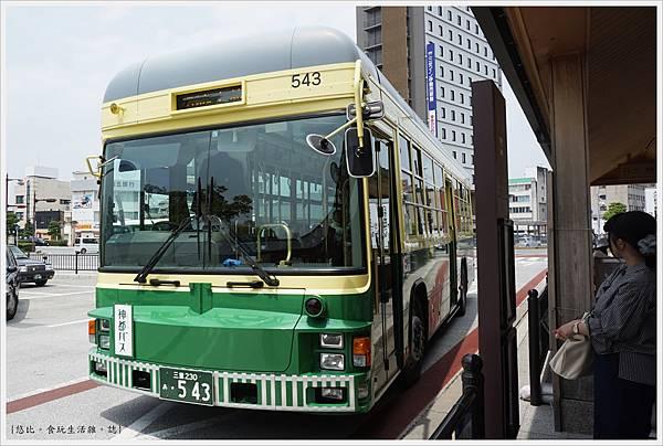 伊勢神宮-3-復古巴士.JPG