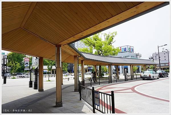 伊勢神宮-2-公車站.JPG