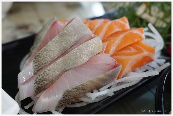 88號水碼頭餐廳-7-生魚片.JPG