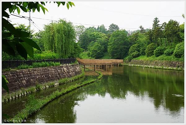 郡山城跡-12-鰻堀池.JPG