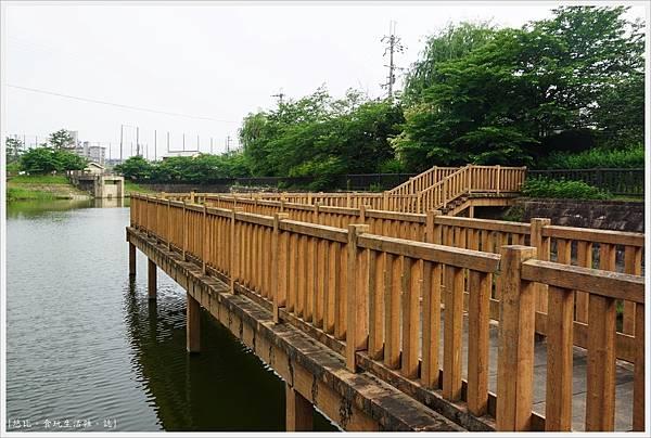 郡山城跡-15-鰻堀池.JPG