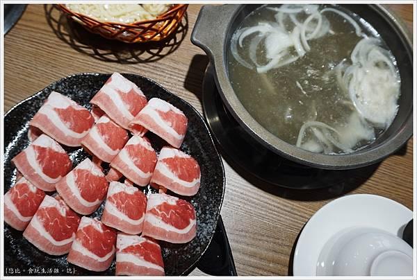 湯馥石頭火鍋-39-雪花牛肉鍋