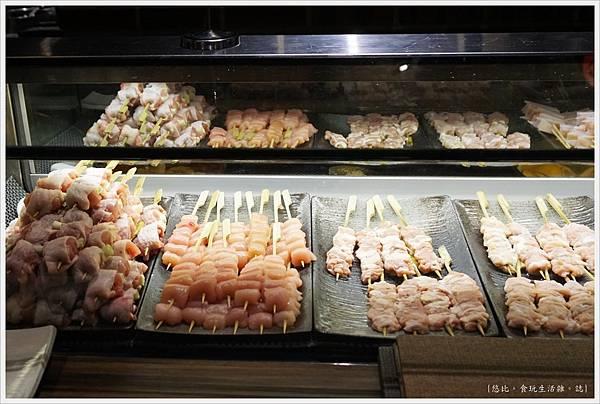 一鷺炭火燒鳥工房-6-冰櫃燒肉串.JPG