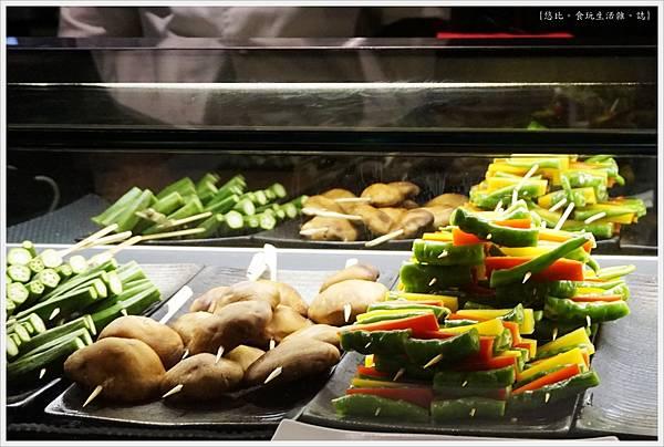 一鷺炭火燒鳥工房-7-冰櫃蔬菜串.JPG