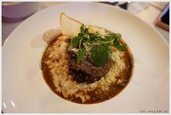 蘑菇Pasta-19-法式紅酒慢燉牛腱奶油燉飯.JPG