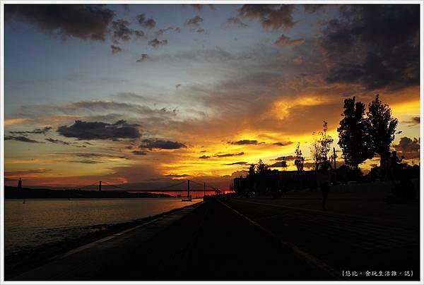 太加斯河-5-夕陽.JPG