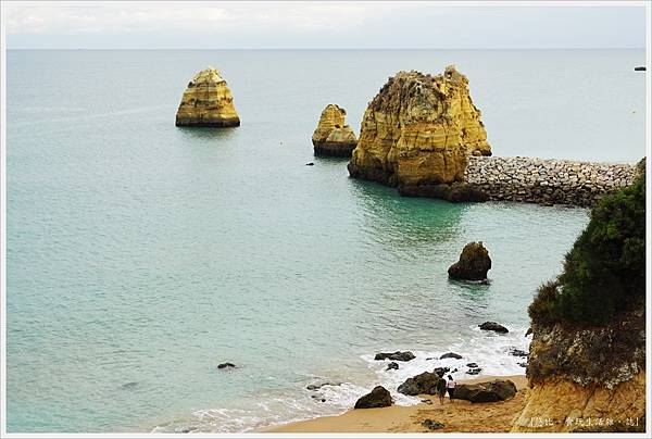 Lagos-85-Pinhao Beach.JPG