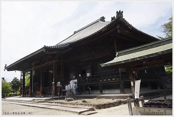 西大寺-4-本堂.JPG
