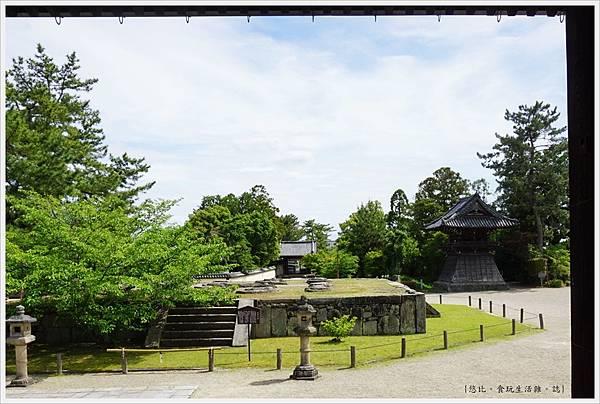 西大寺-5-本堂.JPG