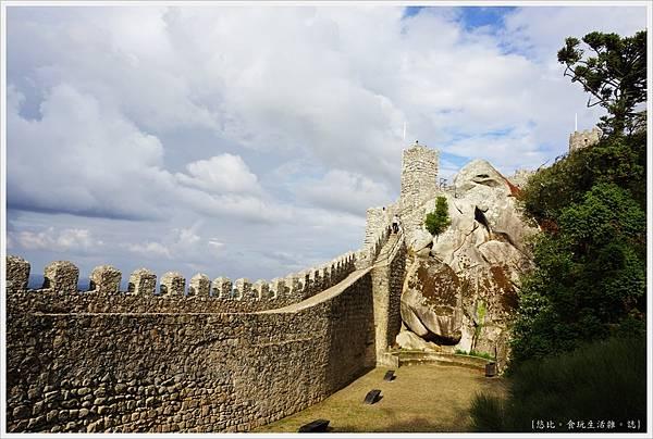 辛特拉-207-摩爾人城堡Castelo dos Mouros.JPG