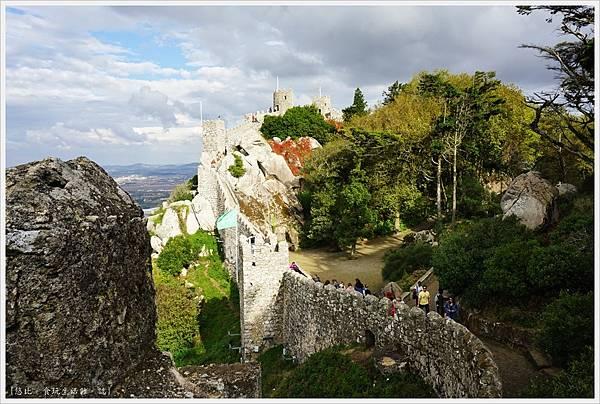 辛特拉-216-摩爾人城堡Castelo dos Mouros.JPG