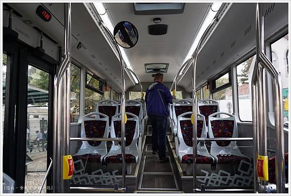 辛特拉-257-403巴士.JPG