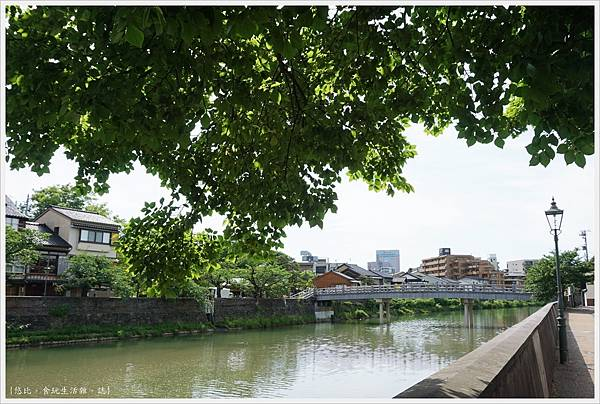 主計町茶屋街-10-中之橋.JPG